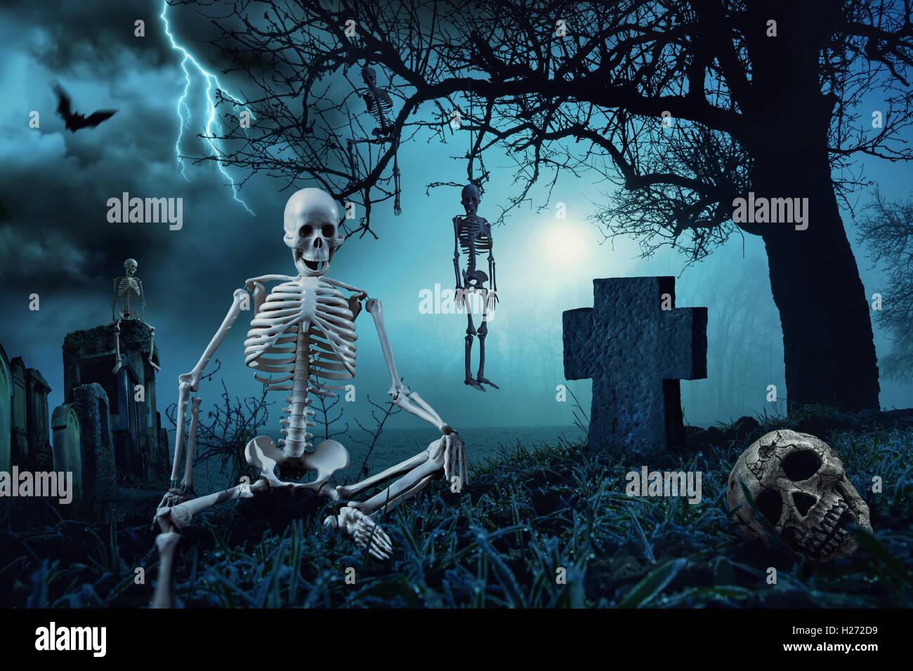 horror cemetery stock photos & horror cemetery stock images - alamy