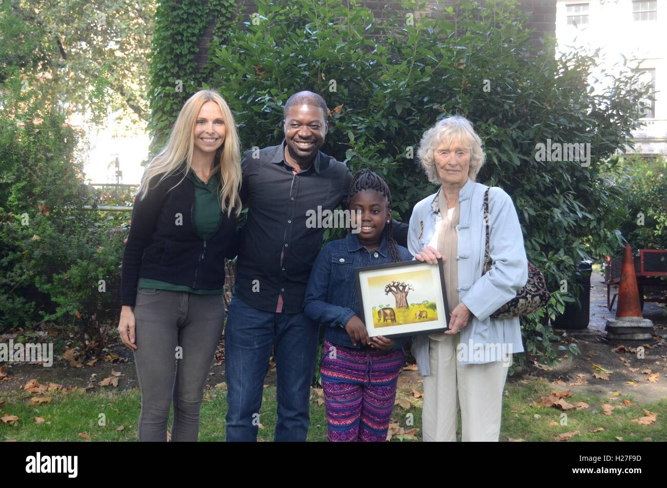 Virginia McKenna and Anneka Svenska meet animal rights protesters from Malawi. - Stock Image