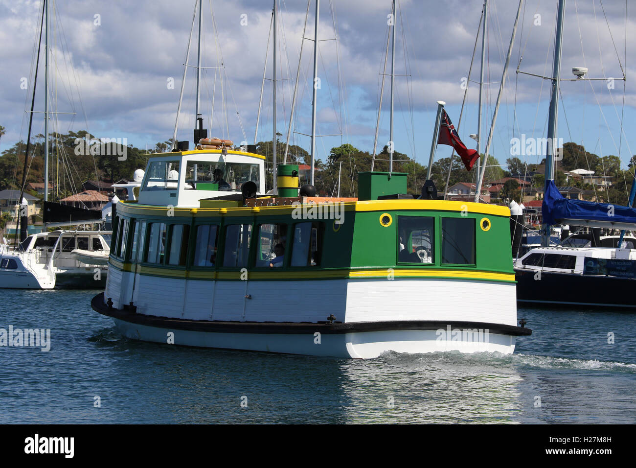 Tom Thumb III ferry departs from Cronulla Wharf for a 3 hour cruise. - Stock Image