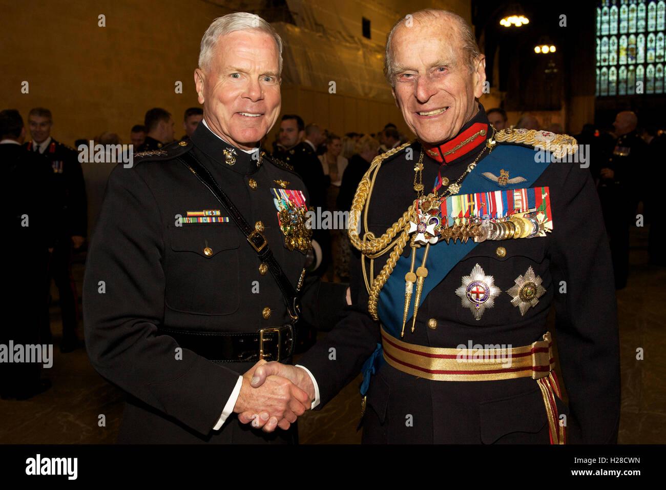 u s marine corps commandant general james f amos with the duke of stock photo 121887633 alamy. Black Bedroom Furniture Sets. Home Design Ideas