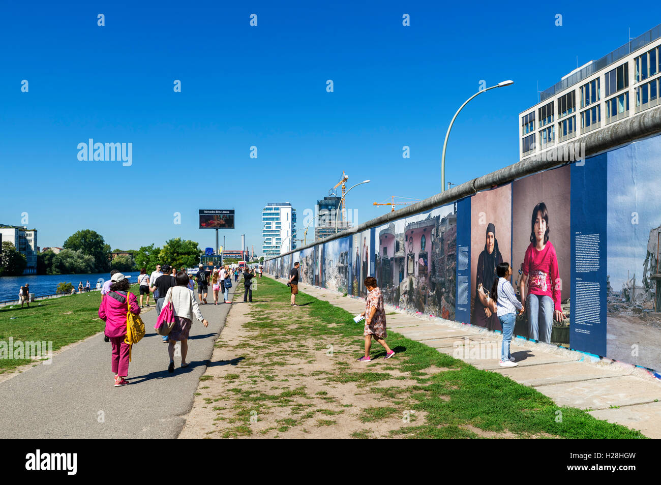 Section of the Berlin Wall at the East Side Gallery, Friedrichshain-Kreuzberg, Berlin, Germany - Stock Image