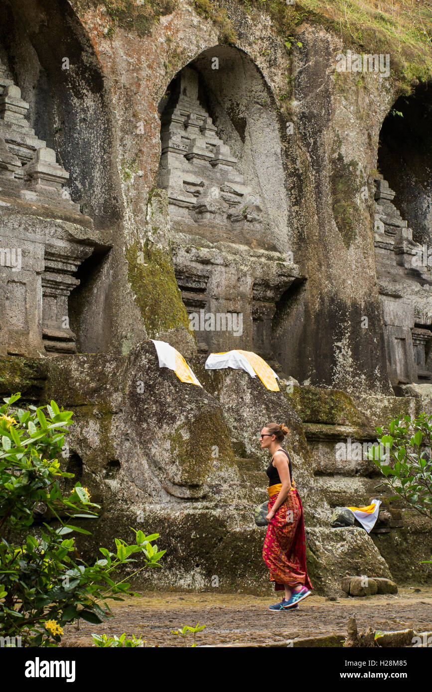 Indonesia, Bali, Tampaksiring, Gunung Kawi, rock cut candi shrines dedicated to King Anak Wungsu - Stock Image