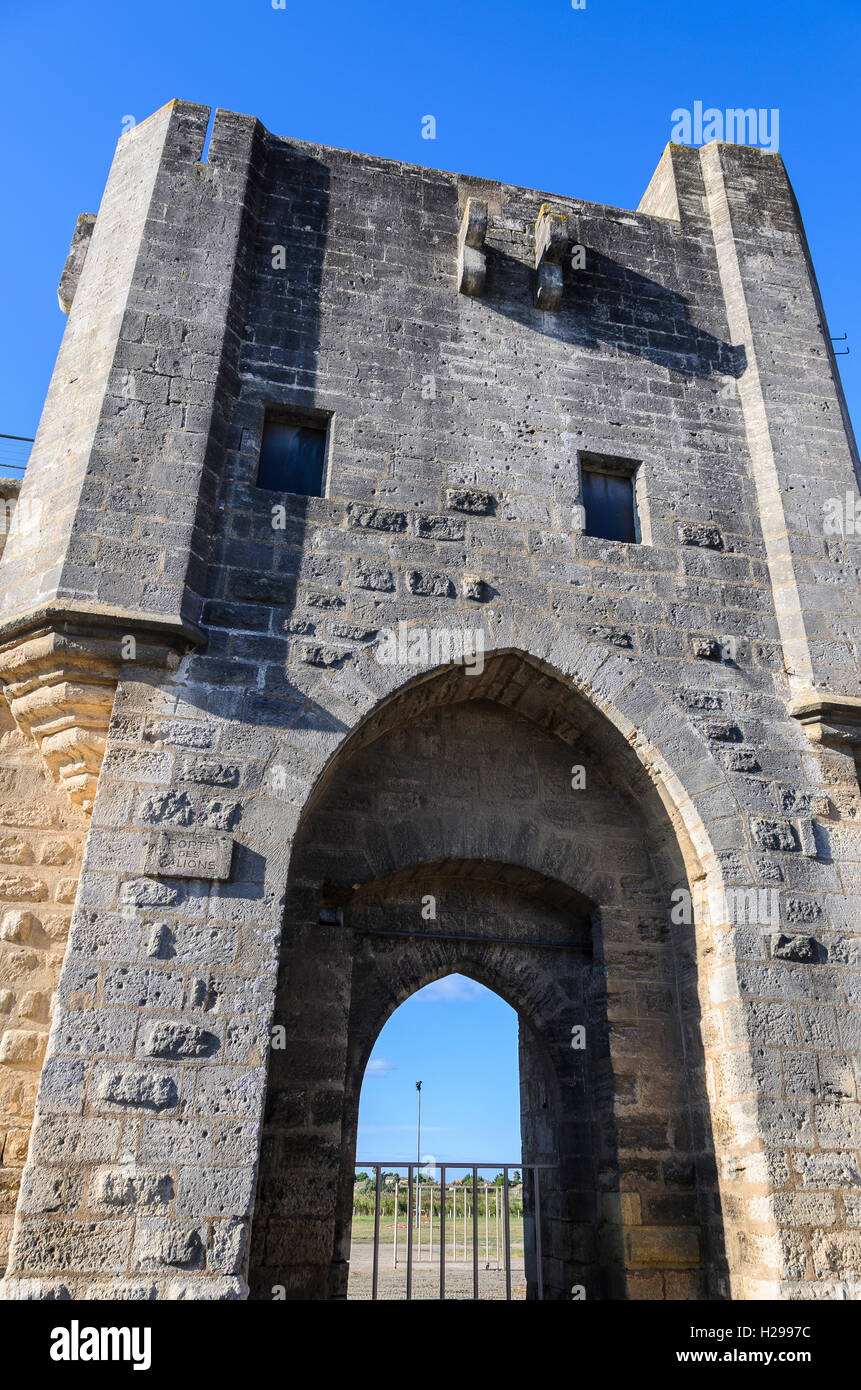Porte et remparts,  Aigues Mortes, Gard, Provence, France - Stock Image