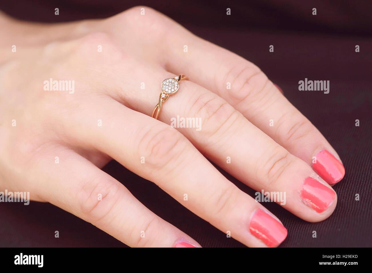 Engagement luxury ring on female hand Stock Photo: 121910977 - Alamy