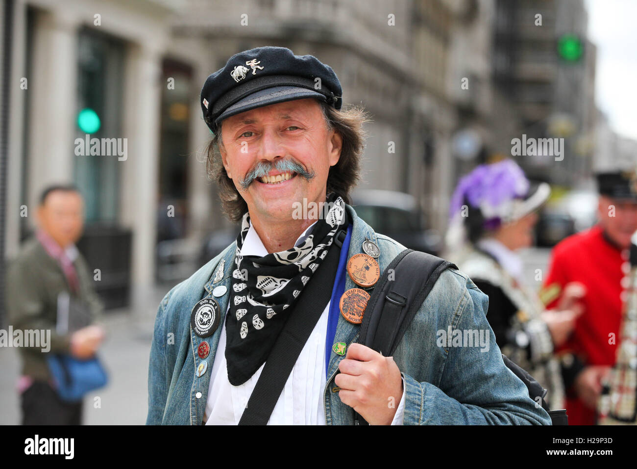 Guildhall Yard, London, UK. 25th Sep., 2016. The annual Pearly Kings and Queens & Costermongers harvest festival - Stock Image
