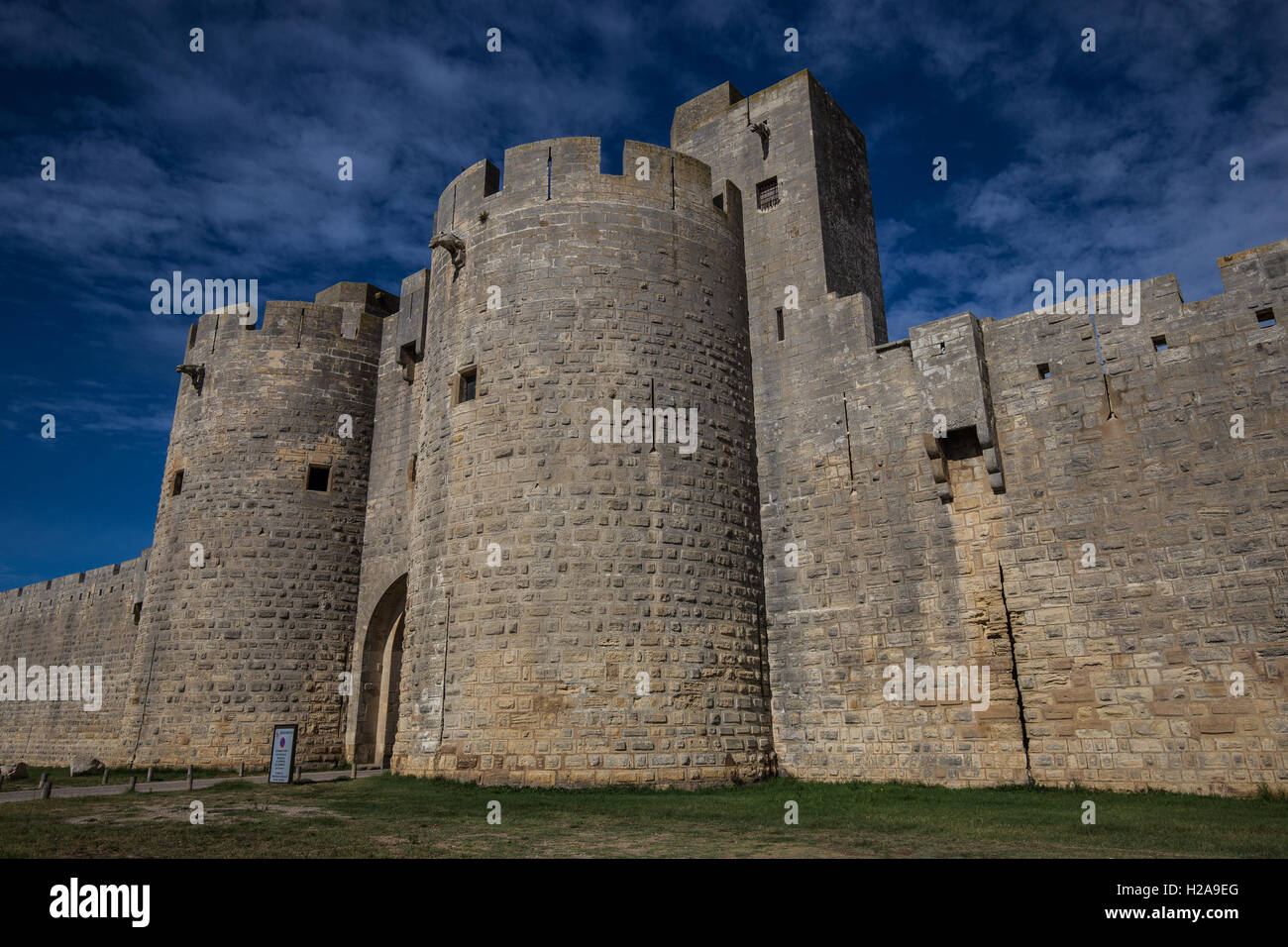 The ramparts of Aigues-Mortes and Constance Tower are spectacular in their height and their state of preservation - Stock Image