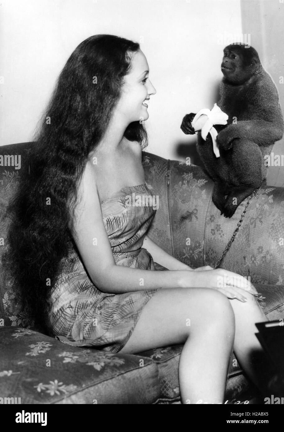 DOROTHY LAMOUR (1914-1996) US film actress in a publicity shot for her 1936 film Jungle Princess Stock Photo