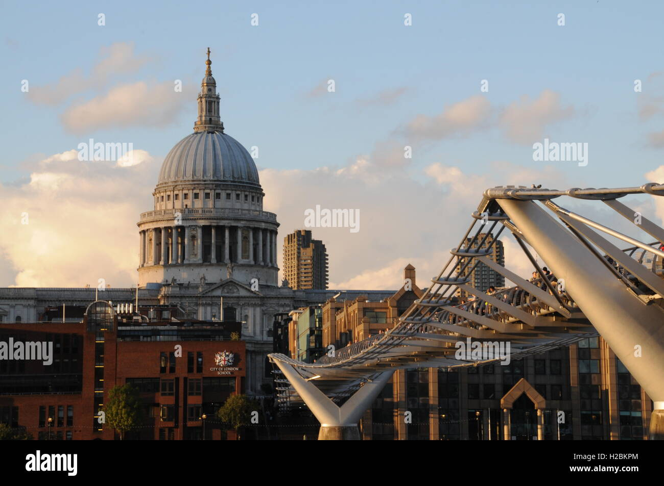 Millennium bridge and St Paul's cathedral, London. - Stock Image