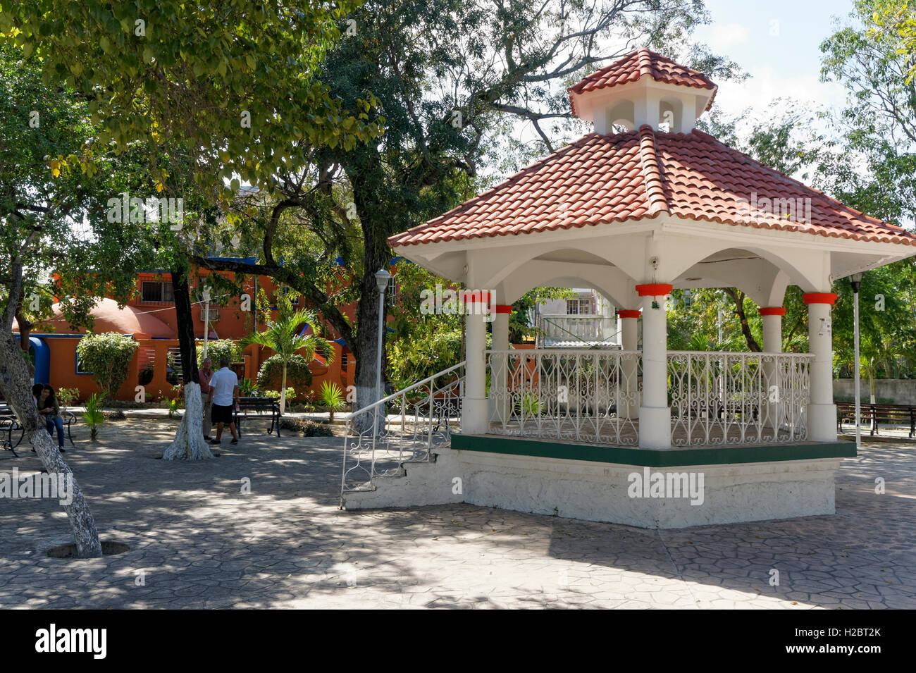 Bandstand in Parque Las Palapas in downtown Cancun, Quintana Roo, Mexico - Stock Image