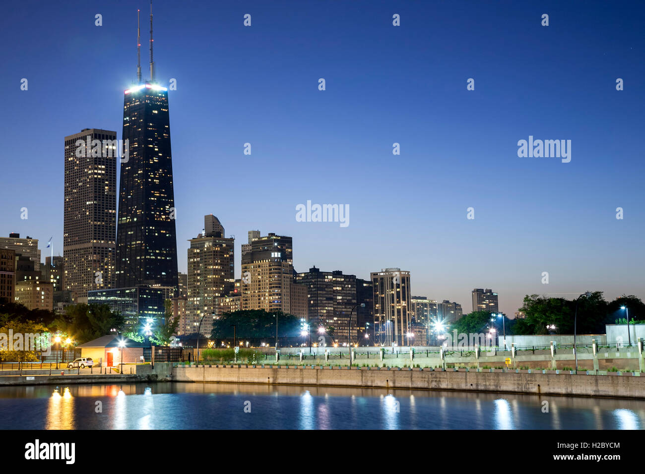 875 N. Michigan Avenue, formerly known as Hancock Tower Center and Lake Michigan, Chicago, Illinois USA - Stock Image
