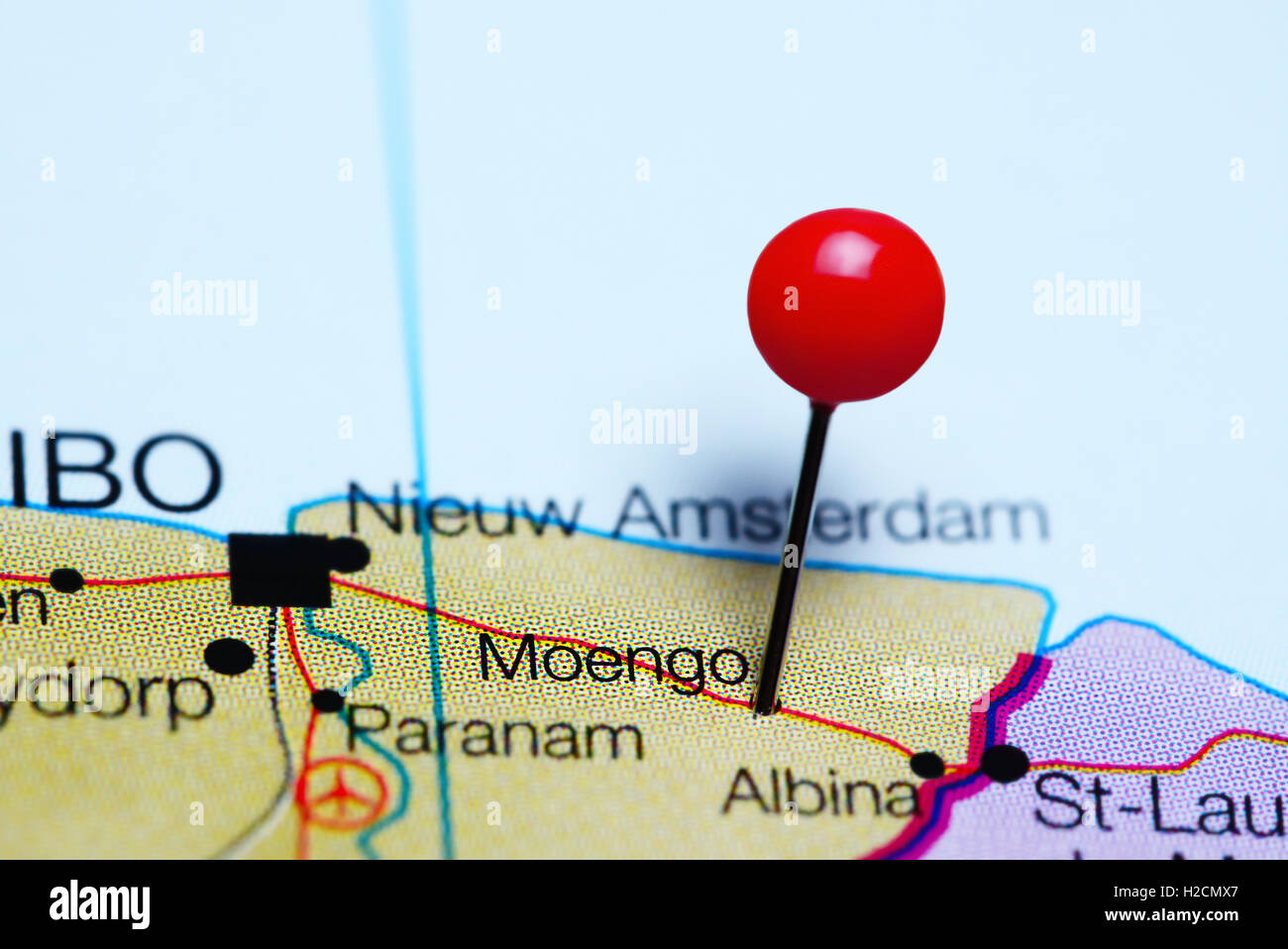 Moengo pinned on a map of Suriname - Stock Image