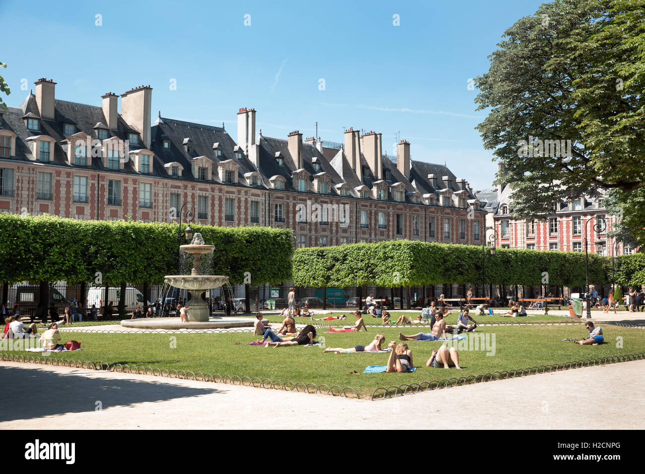Place des Vosges in the Marais district of Paris, France - Stock Image