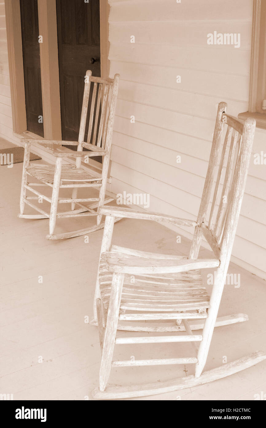 Two old rocking chairs on porch at Rosedale Plantation in Charlotte, NC Stock Photo