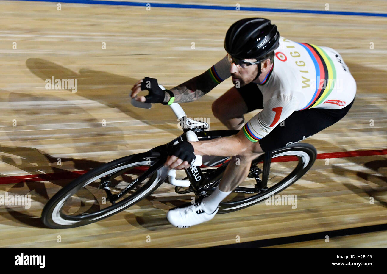 London, UK. 27th Oct, 2016. Bradley Wiggins of Great Britain competes in the Six Day London Cycling at the Velodrome - Stock Image