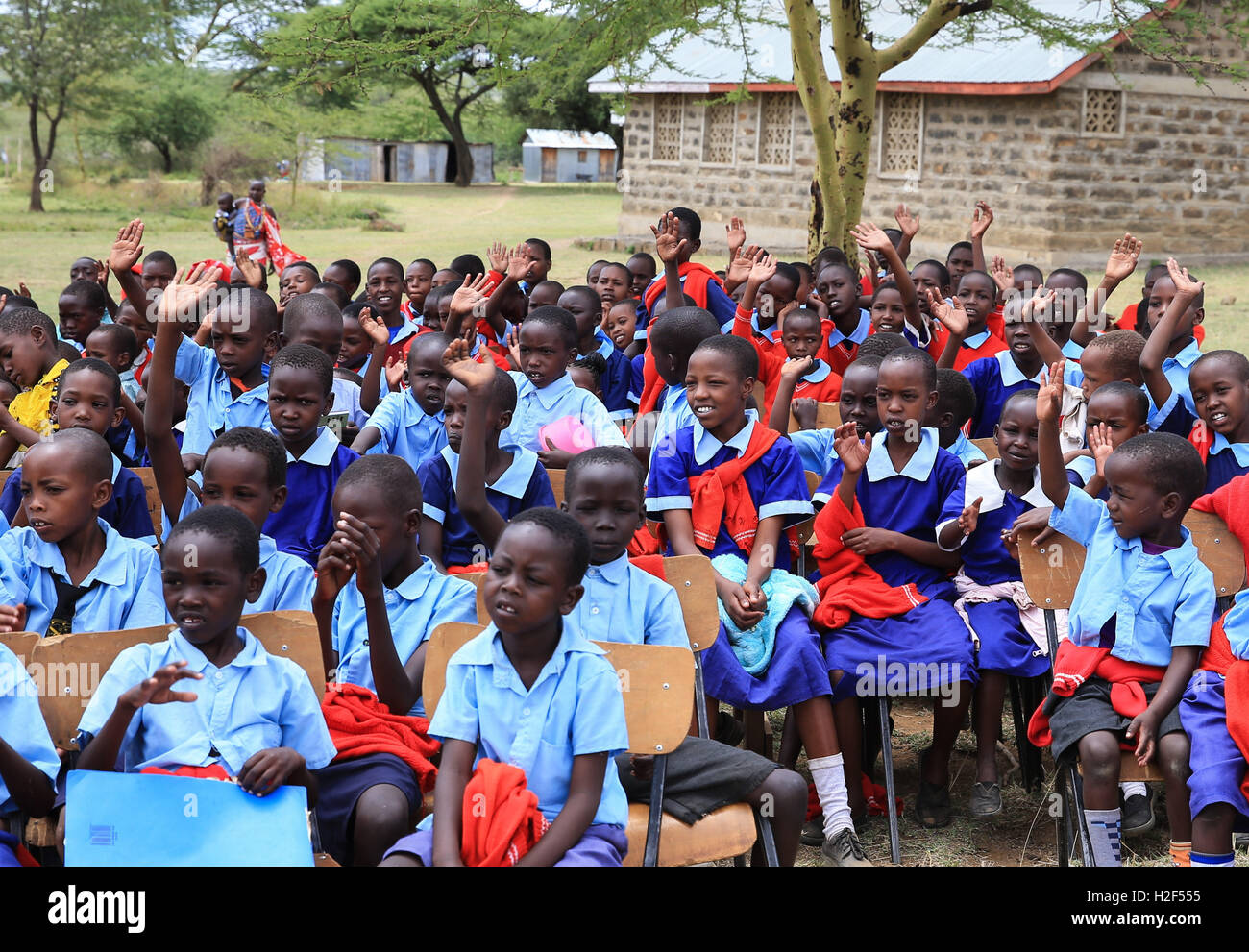 Kajiado, Kenya. 28th Oct, 2016. Students attend the ceremony for the last day of school term at Olgumi primary school, Stock Photo
