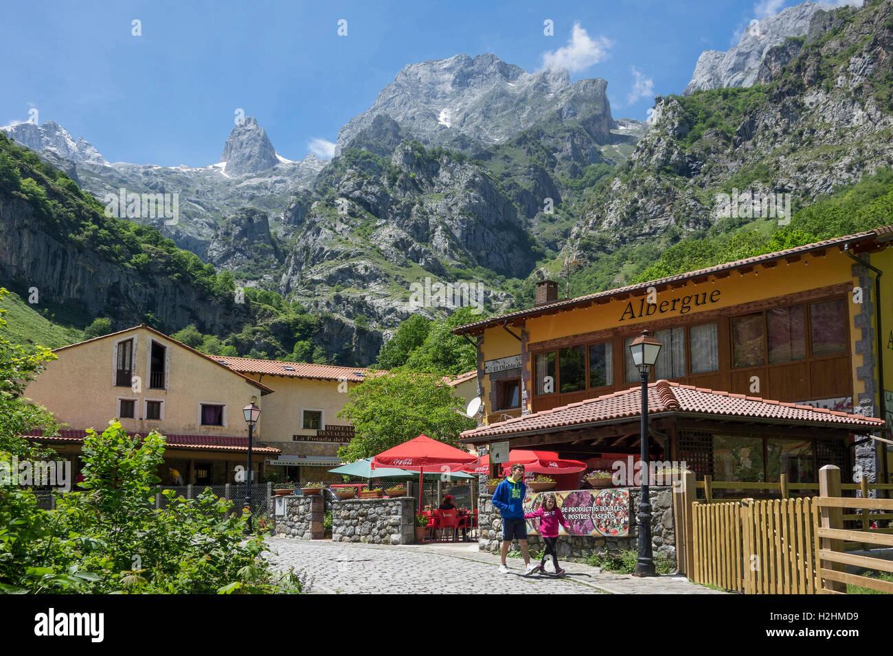 Spain, Leon, Picos de Europa, Cain Valdeon, Cares Valley - Stock Image