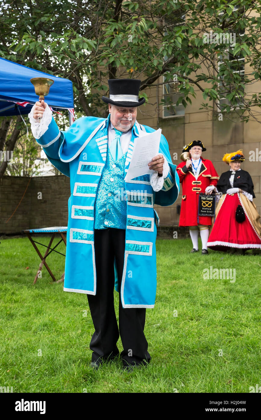 The Huddersfield Town Crier Vic Watson making an opening proclamation at the Huddersfield Town Crier competition - Stock Image