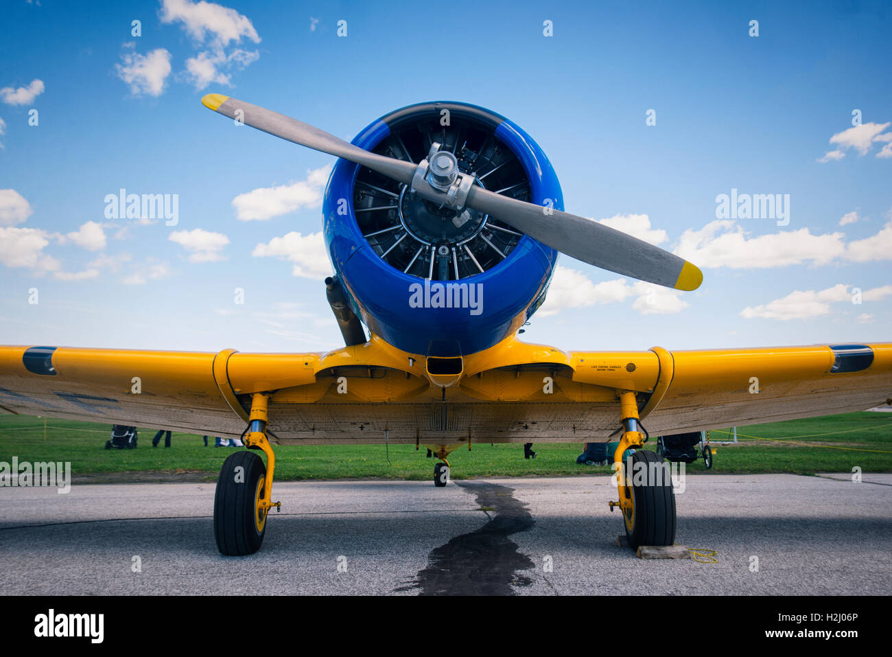 Frontal view of engine and propeller of old vintage airplane - Stock Image