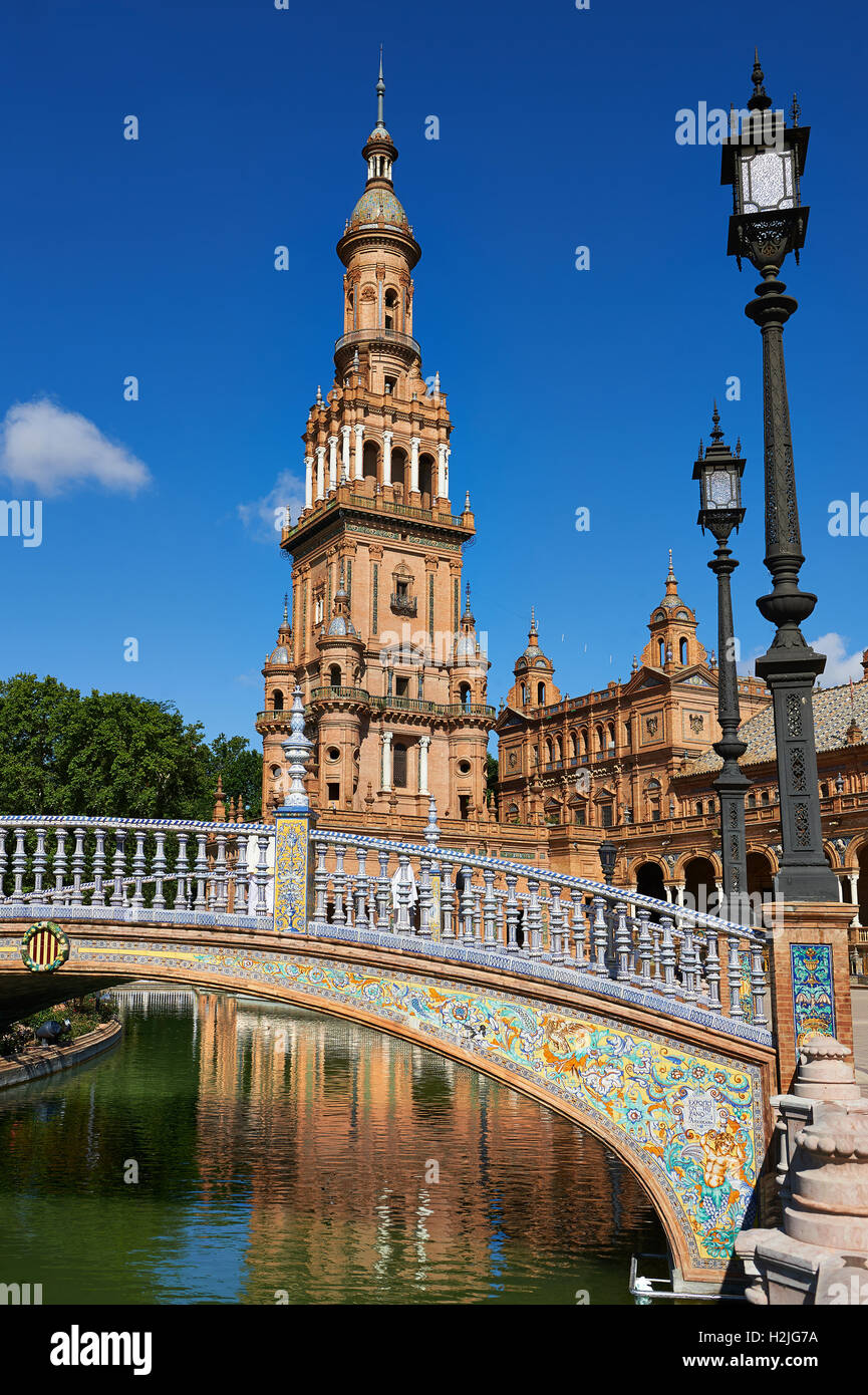 The North Tower of the Plaza de Espana in Seville built in 1928 for the Ibero-American Exposition of 1929, Seville - Stock Image