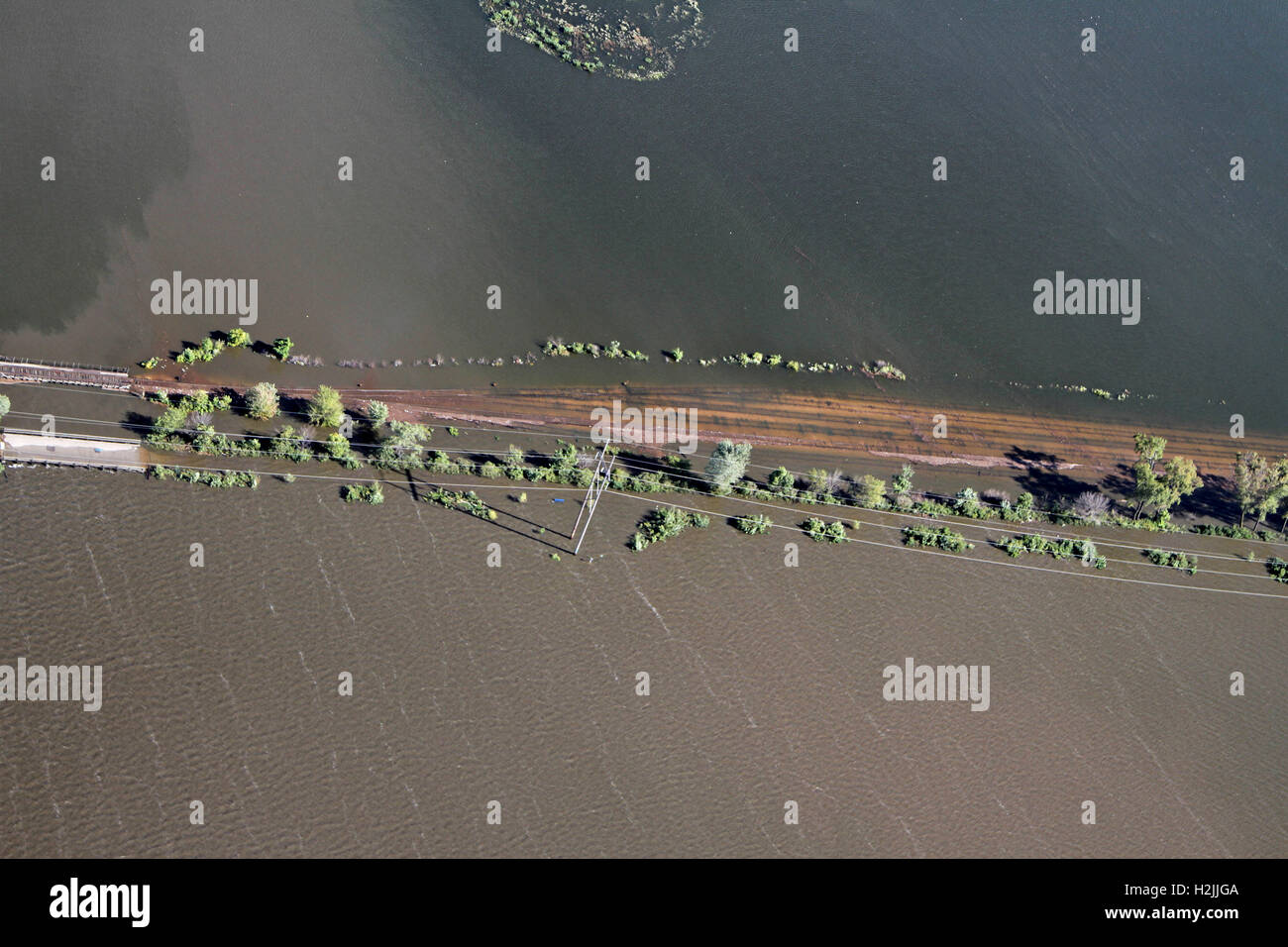 Aerial view of roads overwhelmed by flood waters from the Cedar River across regions of northeast Iowa September - Stock Image
