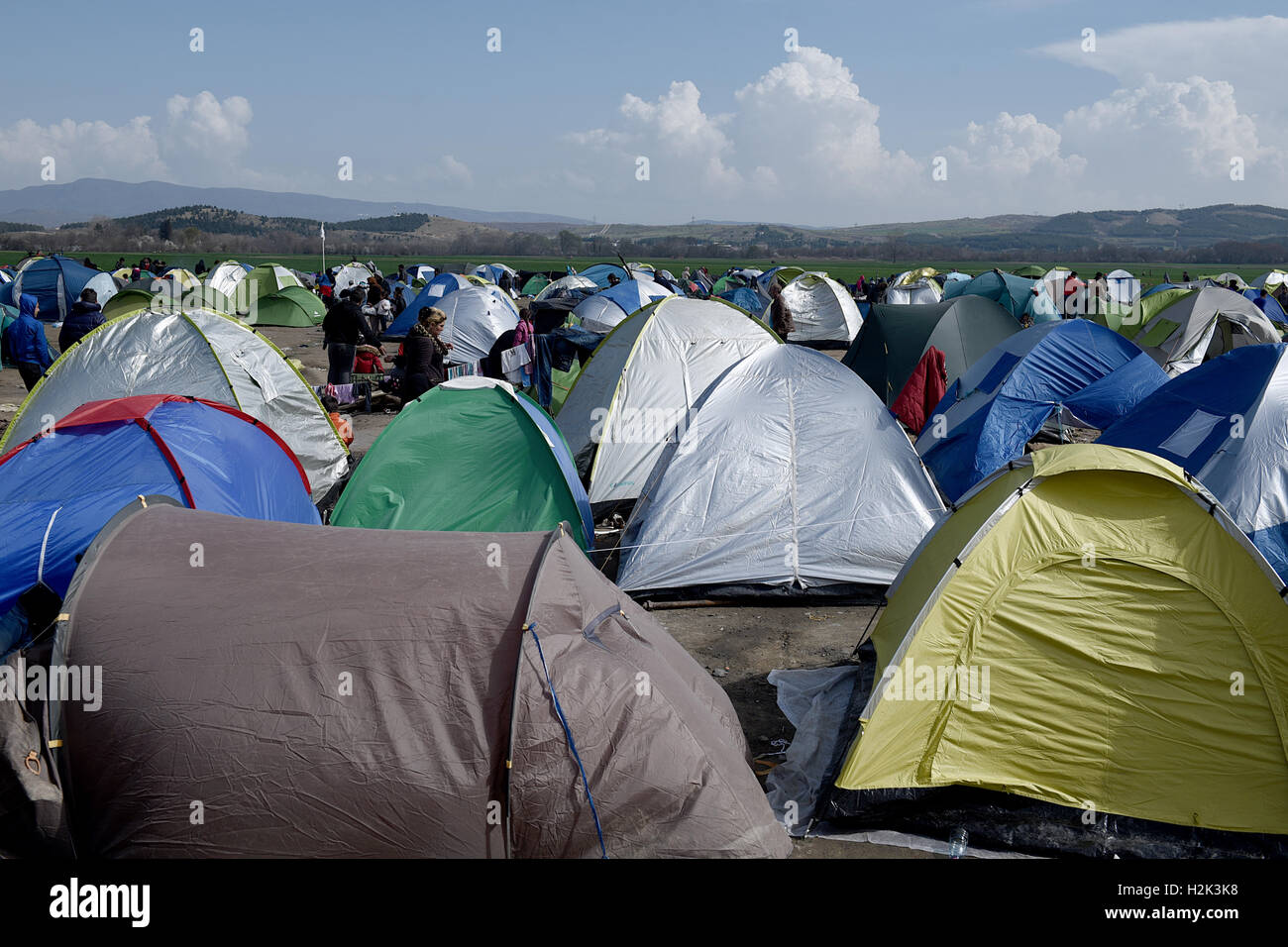 Tents are erected at the Greek Macedonian border near the northern Greek village of Idomeni. Thousands of refugees - Stock Image