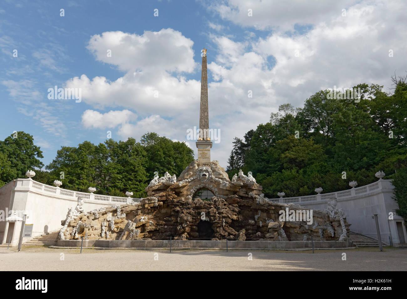 Obelisk Fountain, Schönbrunn Palace, Hietzing, Vienna, Austria - Stock Image