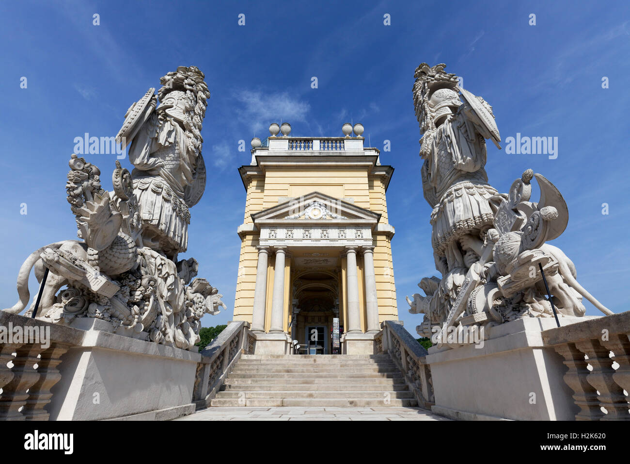 Stairway to Gloriette, ancient Roman trophies and armour, Schloss Schönbrunn, Hietzing, Vienna, Austria - Stock Image