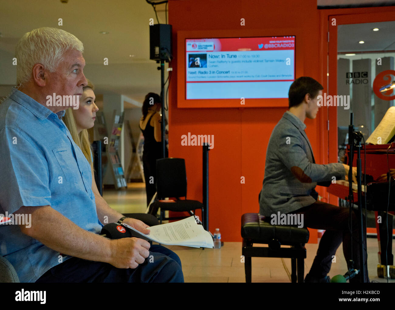Presenter Sean Rafferty hosts a session of live music at the BBC Radio 3 studio at the Southbank Centre celebrating - Stock Image
