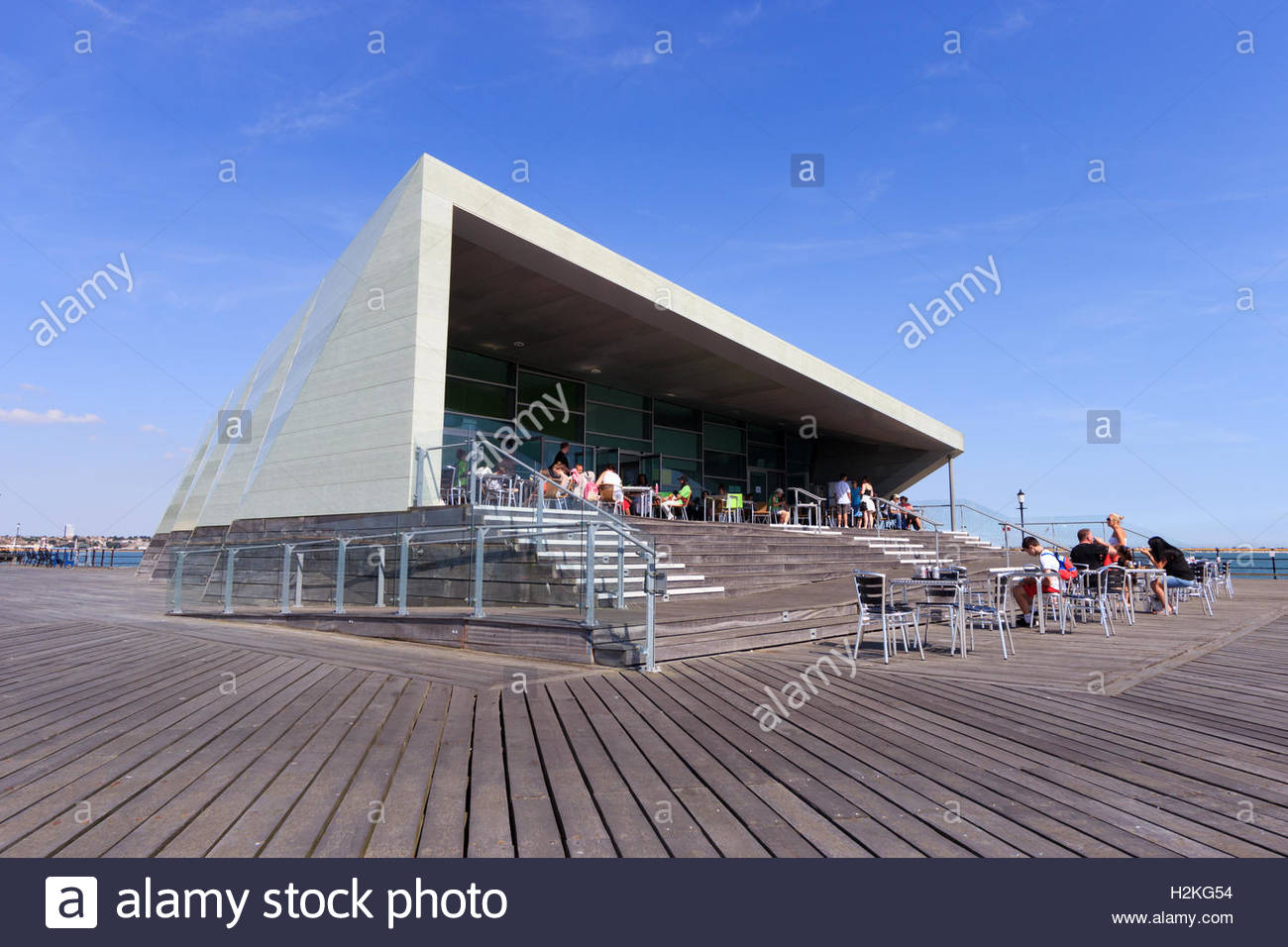 The front corner of Southend Pier's Royal Pavilion with its wheelchair ramp designed as part of the Pavilion's architecture - Stock Image