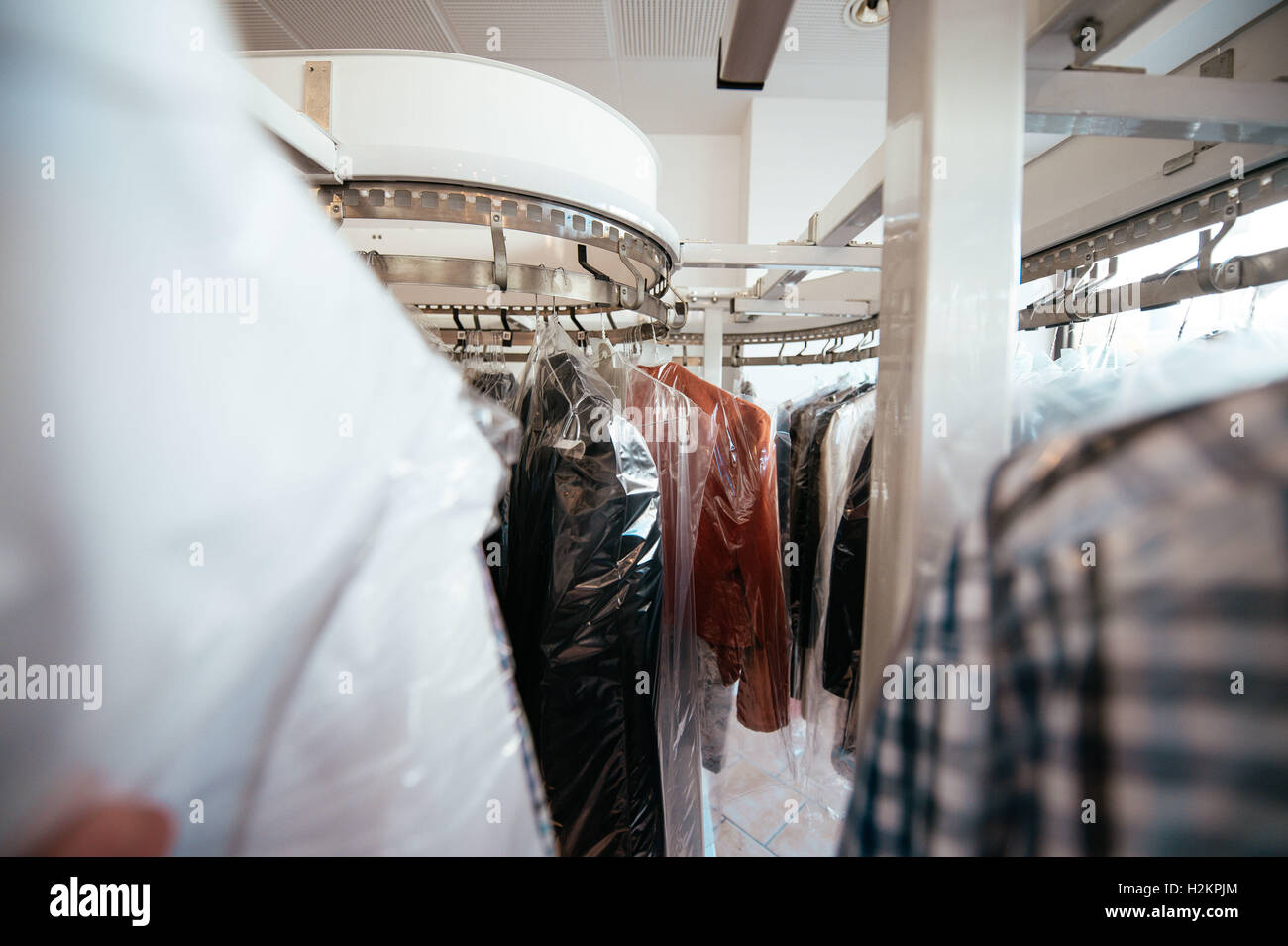 Oberursel, Germany. 03rd Sep, 2016. Picture of cleaned clothes in a laundry, taken on 03/09/16 in Oberursel | usage - Stock Image