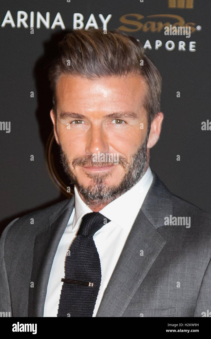 Tokyo Japan 29th September 16 Former England Soccer Star David Beckham Smiles During A Photocall For A Promotional Event Of The Singapore Luxury Hotel Marina Bay Sands On September 29 16 Tokyo