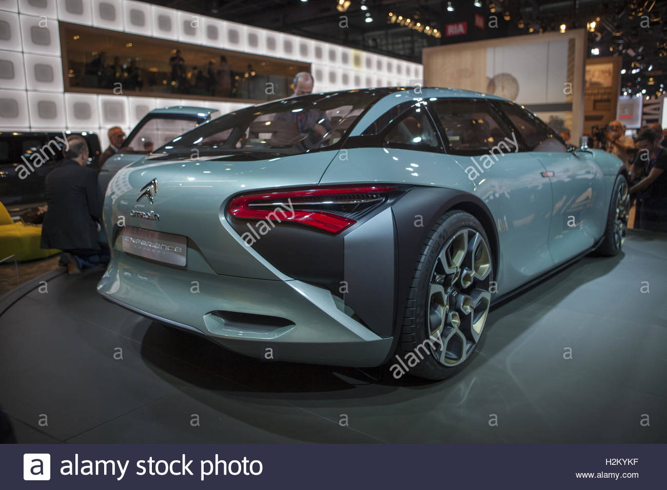 Paris, France. 29th Sep, 2016. A Citroen concept car is presented on the first day of the press days of the Paris - Stock Image