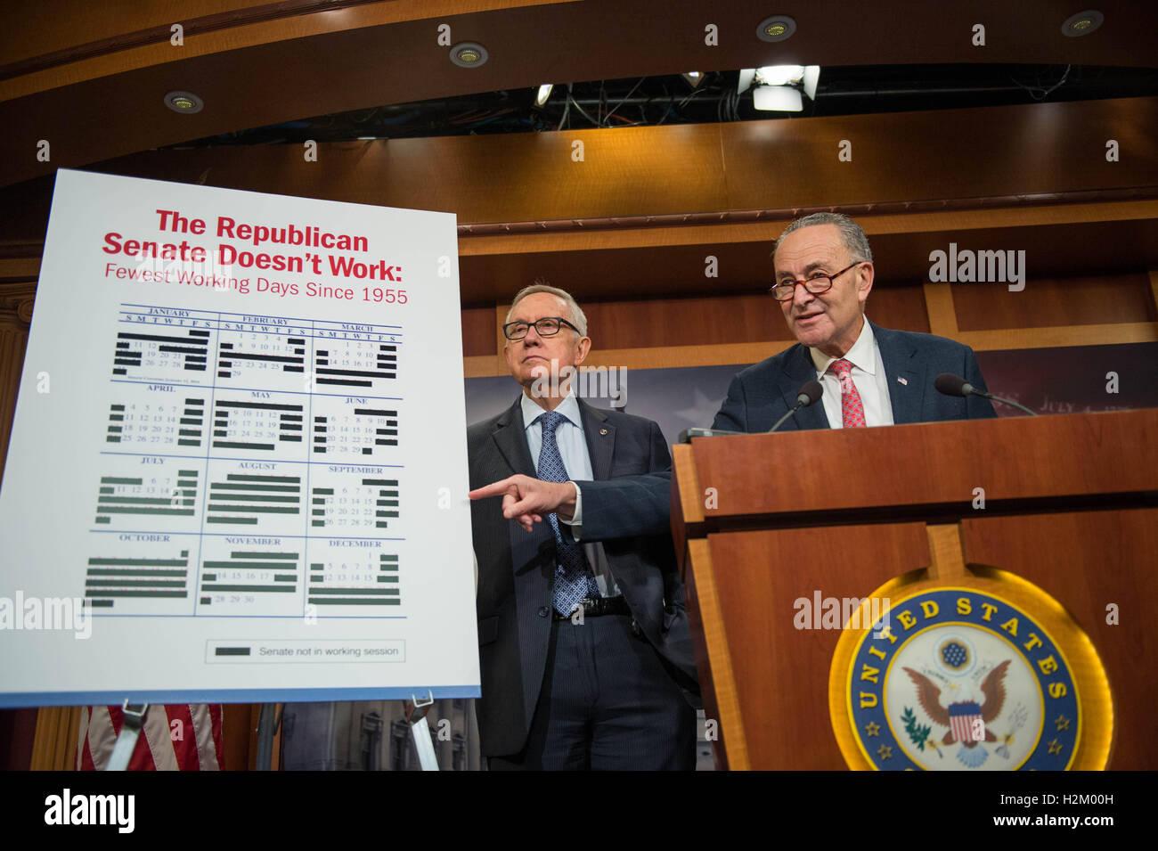 Washington DC, USA. 29th September, 2016. U.S. Democratic Senators Chuck Schumer and Harry Reid highlight the failures - Stock Image