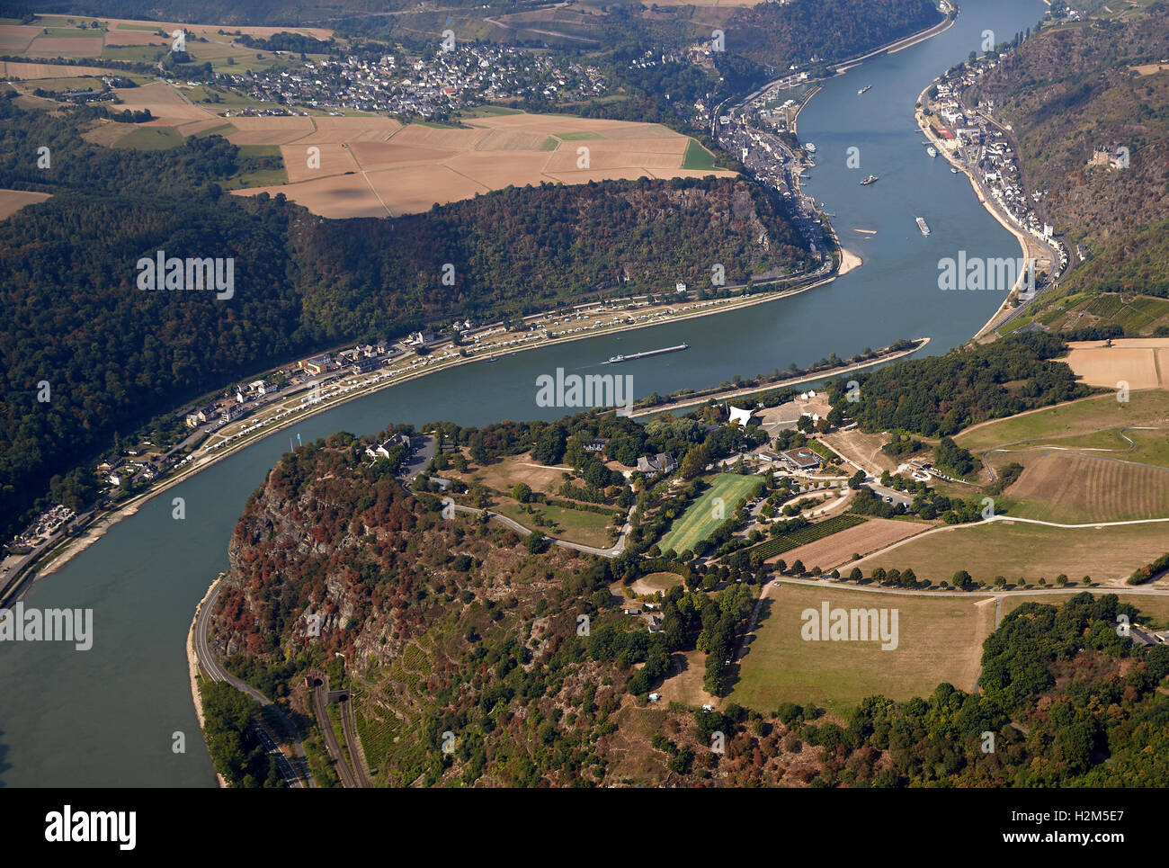 St. Goarshausen, Germany. 23rd Sep, 2016. An aerial view shows the Loreley plateau by the Loreley rock above the Stock Photo