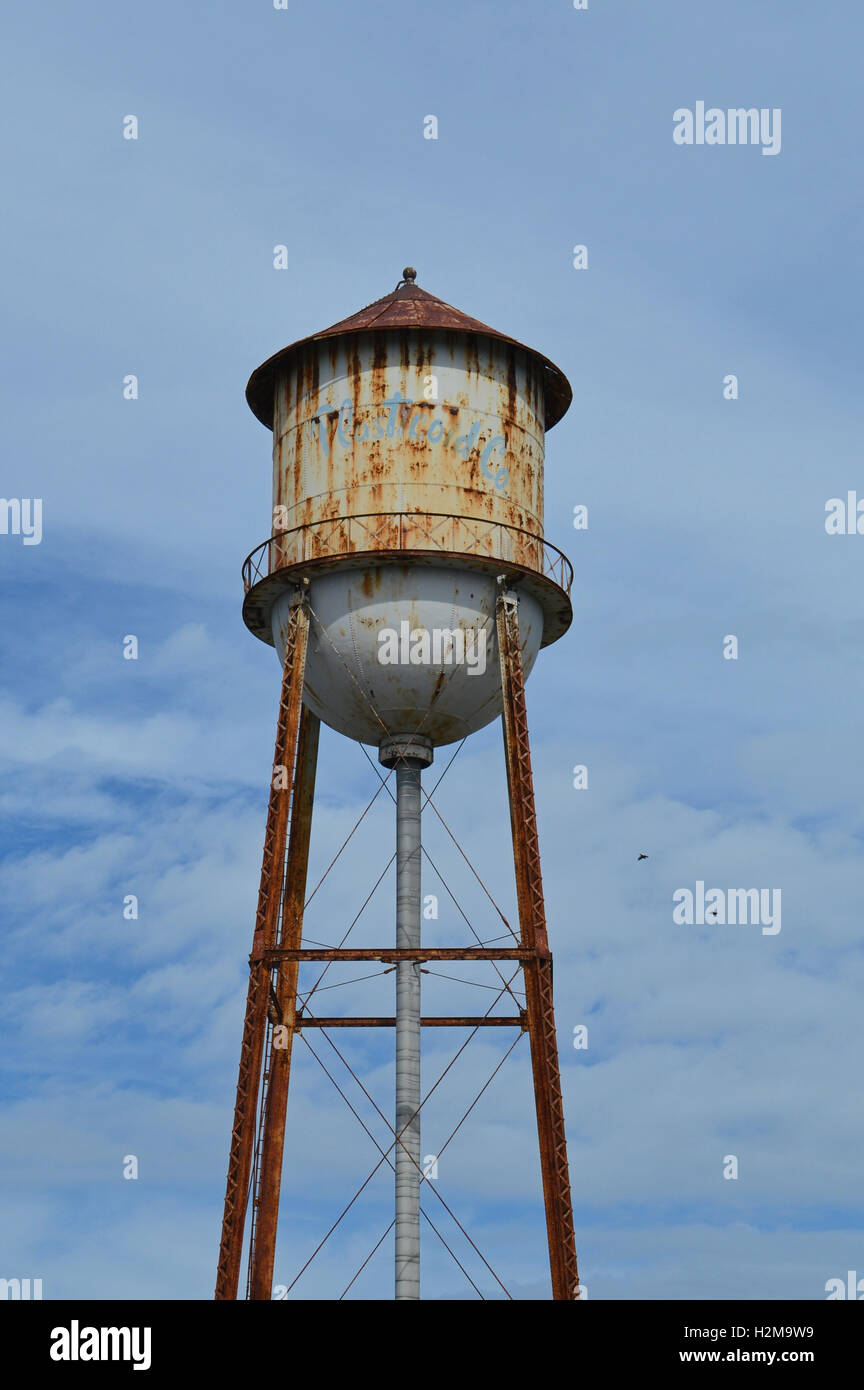 Rusty Water Tower Stock Photos & Rusty Water Tower Stock Images - Alamy