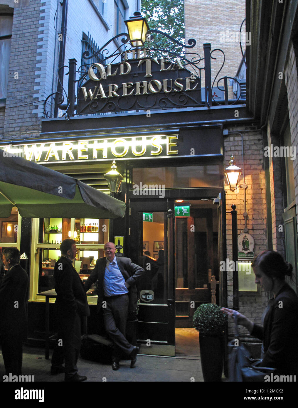 The Old Tea Warehouse pub, City Of London, South East England, UK - Stock Image