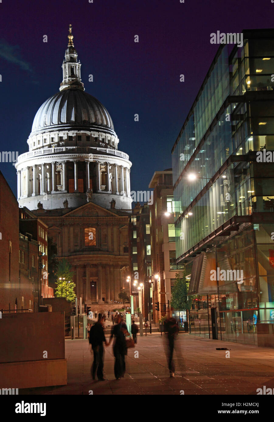 St Pauls Cathedral London late in the evening, with night people - Stock Image