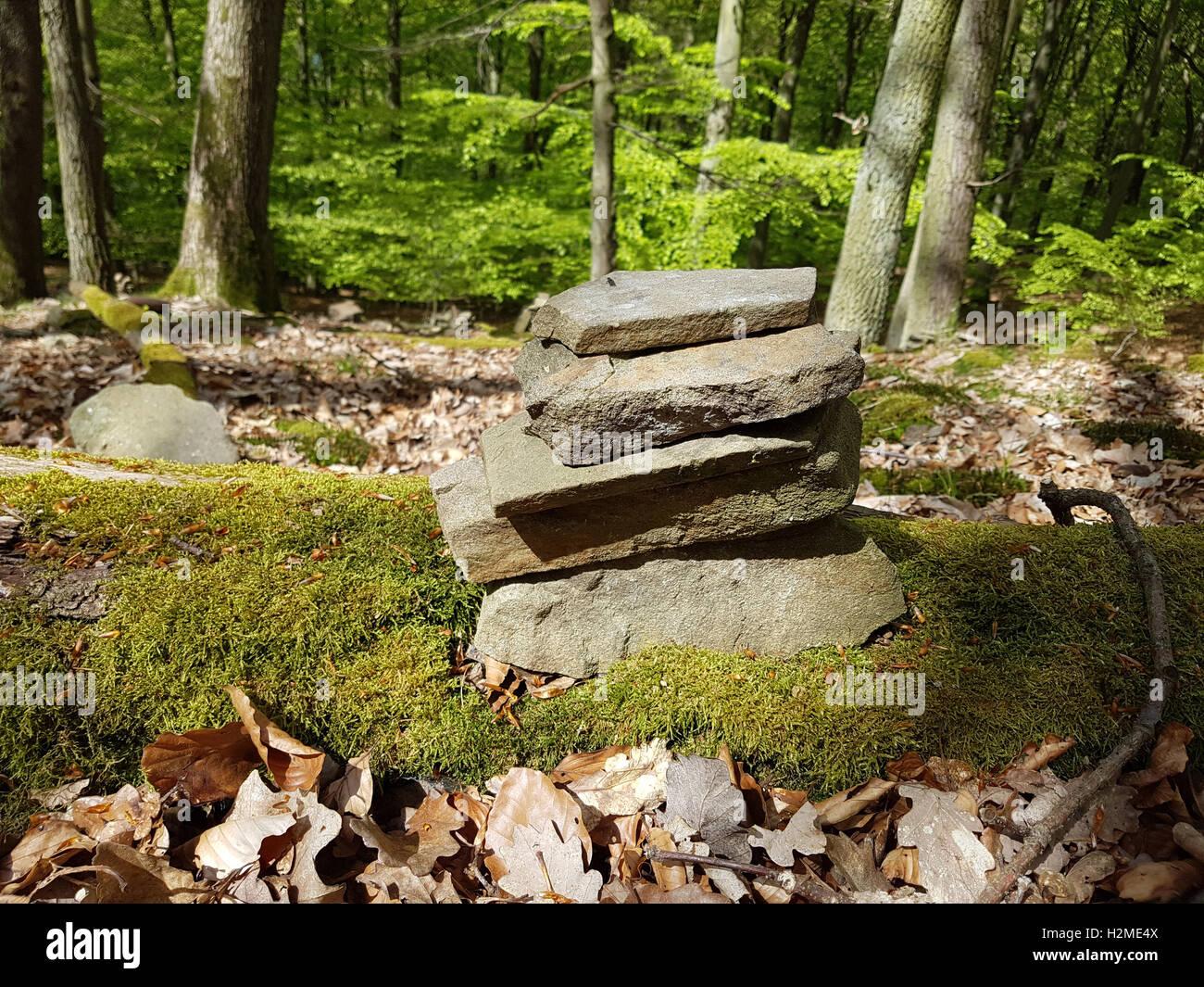 Steinpyramide, Steinkunst, Naturstein, Gestaltung - Stock Image