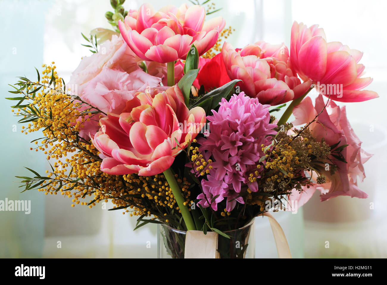 Different Color Flower Bouquet Stock Photos & Different Color Flower ...