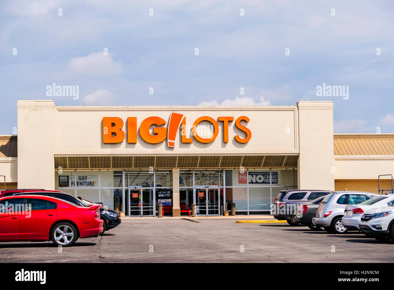 Big Lots Discount Retail Store Exterior 7301 S Pennsylvania Stock