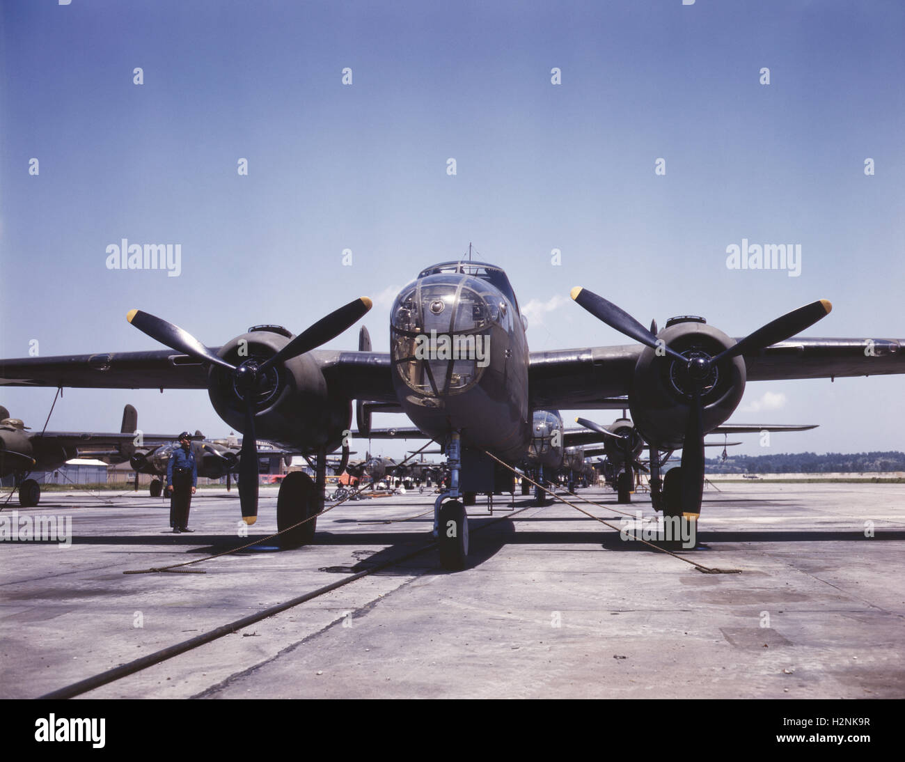 B-25 Bombers on Outdoor Assembly Line, North American Aviation, Inc, Kansas City, Kansas, USA, Alfred T. Palmer - Stock Image