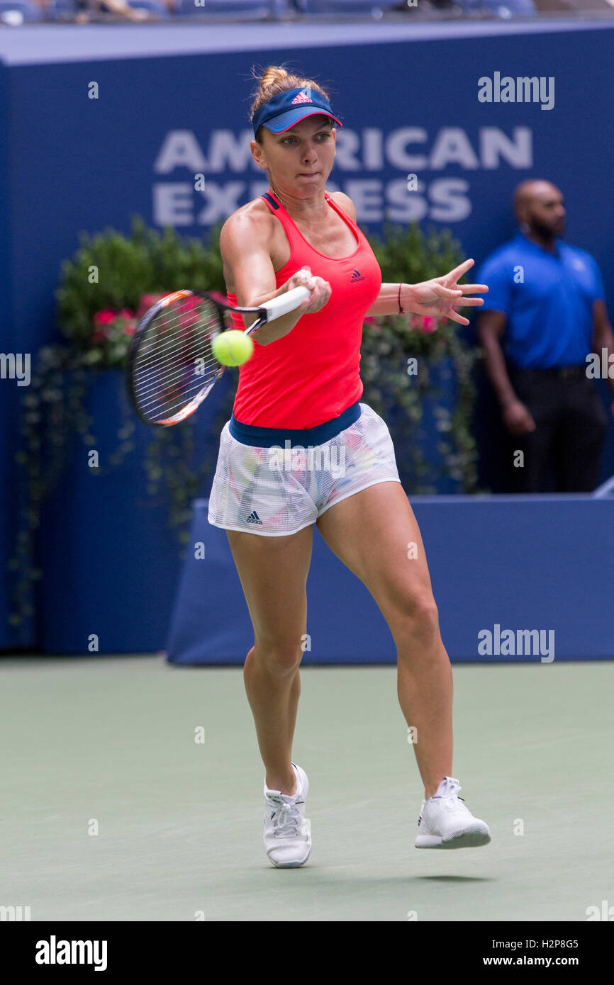 Simona Halep (ROU) competing in the 2016 US Open - Stock Image