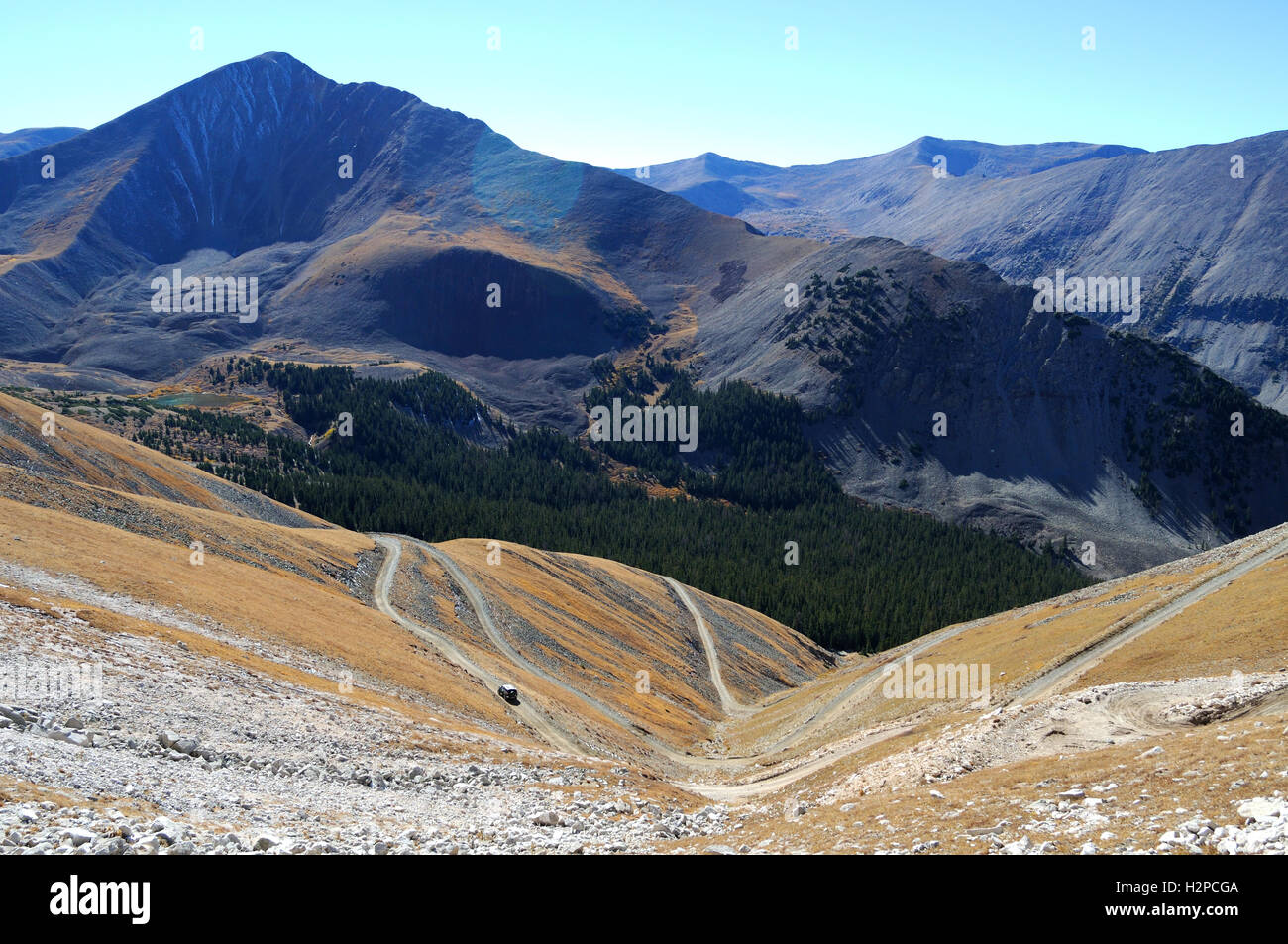 The Baldwin Gulch Jeep road on the approach to Mount Antero, Colorado - Stock Image