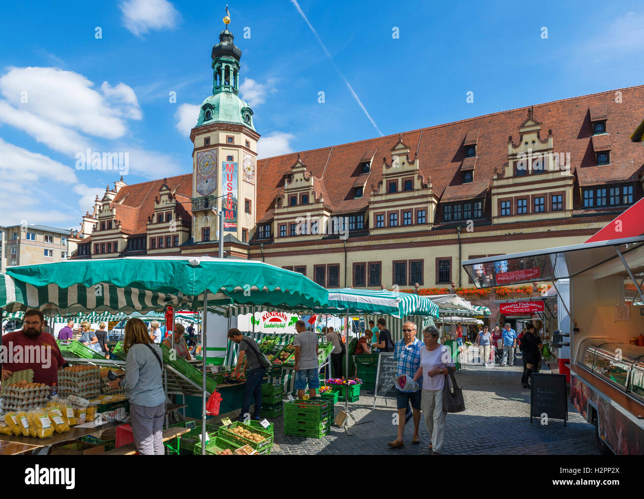 Market in the Markt (Market Square) looking towards the Altes Rathaus (Old Town Hall), Leipzig, Saxony, Germany - Stock Image