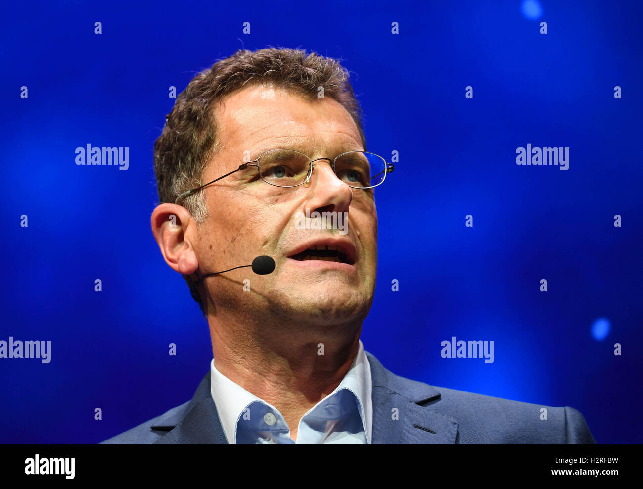 Paris, France. 28th Sep, 2016. Hans-Gerd Bode, Head of Communications at Volkswagen (VW), at the VW Group Evening - Stock Image