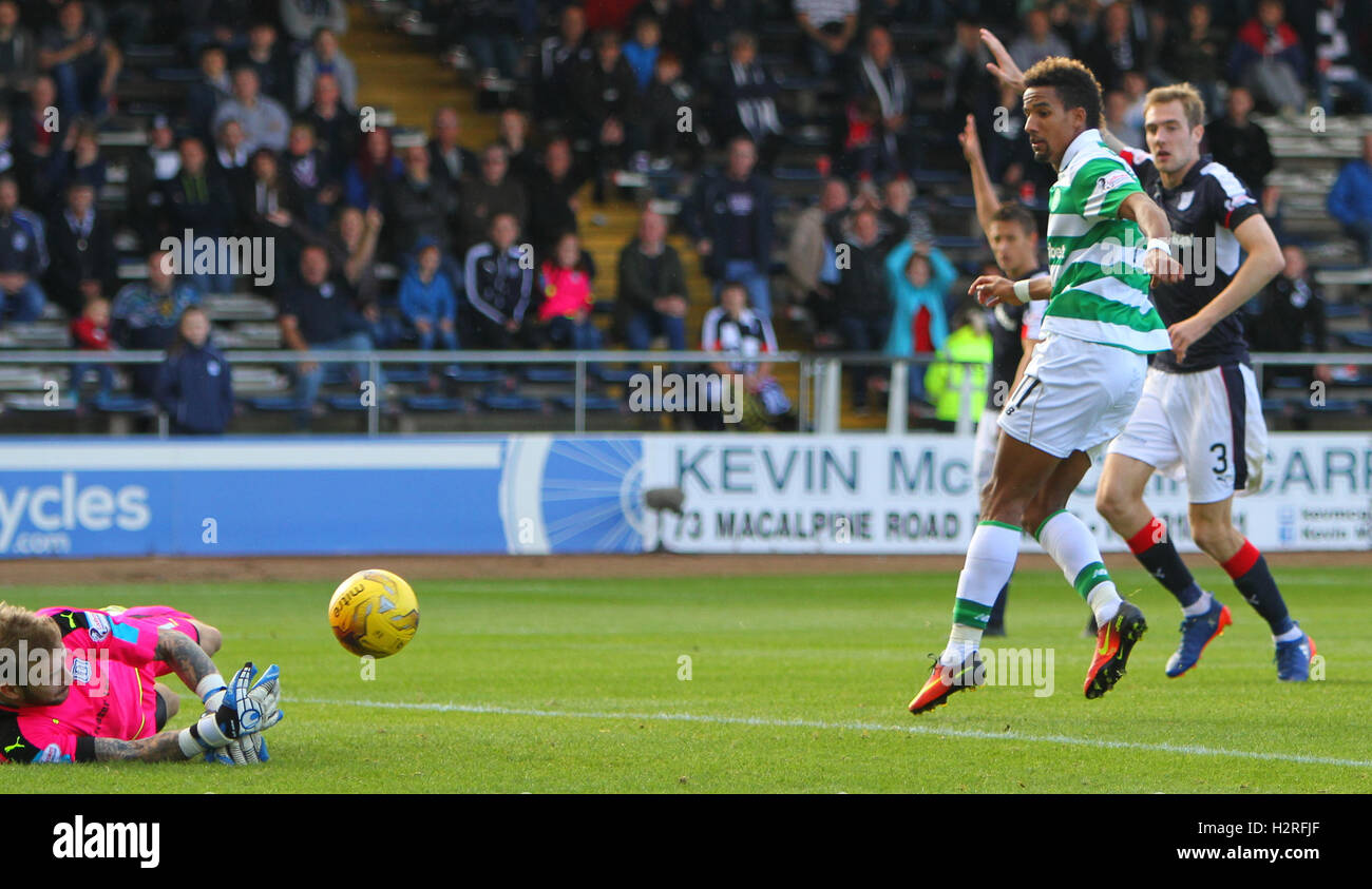 Dens Park, Dundee, Scotland. 01st Oct, 2016. Scottish Premier League Football. Dundee versus Celtic. Scott Bain Stock Photo