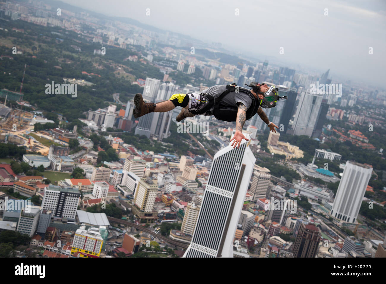Kuala Lumpur, Malaysia. 1st Oct, 2016. KL Tower BASE Jump 2016 is an annual event of the Kuala Lumpur tower. Credit: - Stock Image