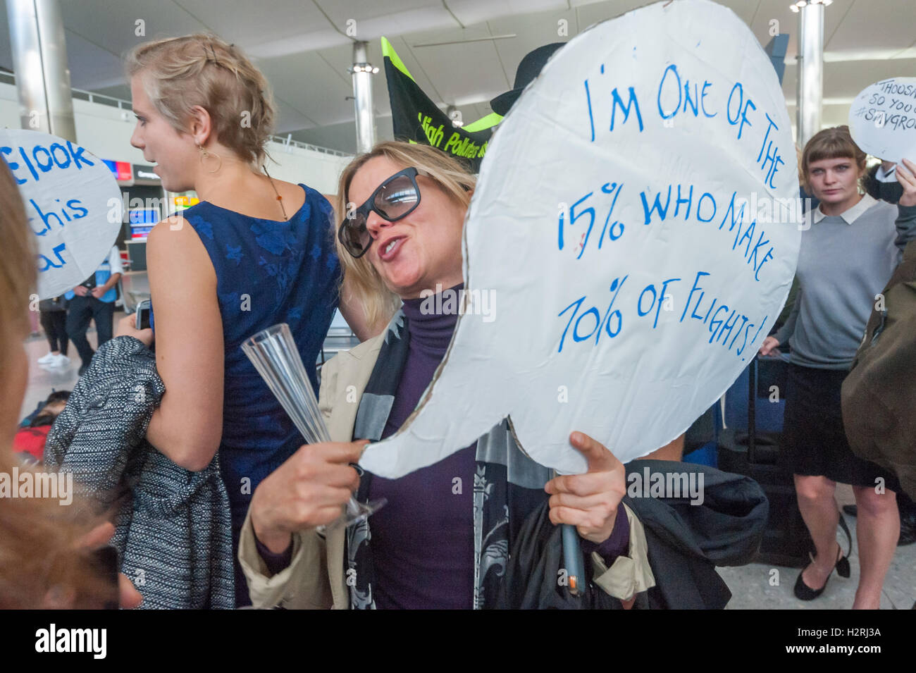 Heathrow, London, UK. 1st October 2016. As part of a global wave of resistance to airport expansion on environmental - Stock Image