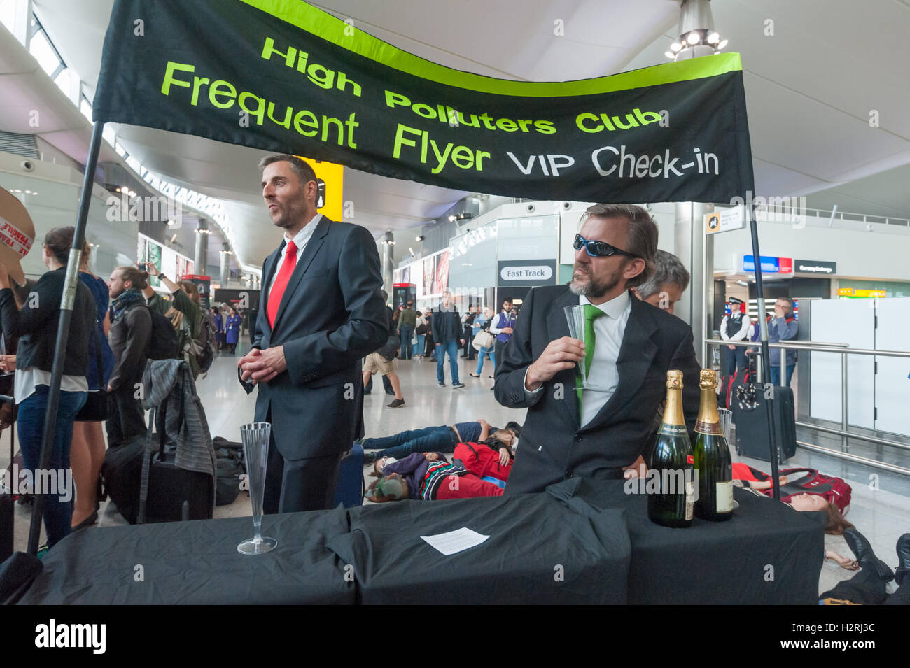 Heathrow, London, UK. 1st October 2016. The  'High Polluters Club Frequent Flyer VIP Check-in' at the flash - Stock Image