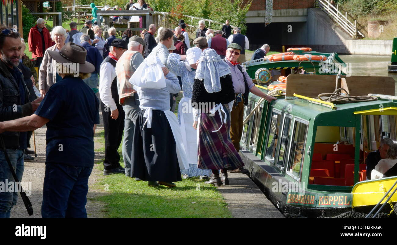 Wey & Arun Canal Trust 200-Year Anniversary - Volunteers in Period Costumes Re-enact an Imagined Scene from 200 Stock Photo